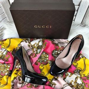 GUCCI Vernice Crystal Patent Leather Pump 37